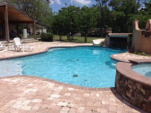 pool cleaning service in apopka